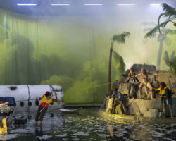 Théâtre à Annecy  : Quand l'avion s'écrase, la fête commence