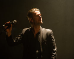 Grenoble, Clermont-Ferrand: le rock élégant et nonchalant de Bertrand Belin