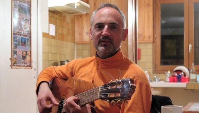 Guillaume Dioups nous offre ses chansons à la maison
