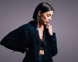 LÉA PACI, jeune chanteuse originaire de Roanne